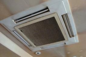天井カセット型エアコン分解洗浄