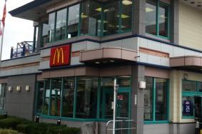 マクドナルドのガラスクリーニング有難うございました!!